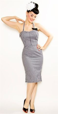 {Darling Bow Dress} darling is right! so purrfectly pinup :)