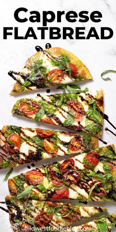 This vegetarian Caprese flatbread takes just minutes to throw together and includes homemade spinach pesto, fresh mozzarella cheese, and ripe tomatoes. Quick Vegetarian Dinner, Vegetarian Appetizers, Appetizers For Party, Appetizer Recipes, Dinner Recipes, Dessert Recipes, Flatbread Appetizers, Flatbread Pizza Recipes, Dinner Party Starters