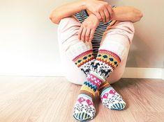 Knitting Socks, Leg Warmers, Villa, Slippers, Legs, Shoes, Color, Instagram, Fashion