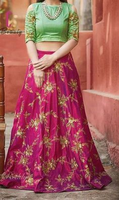 Latest Designer New Style Crop Top Skirt Lehenga - Crop Top Crop Top Styles, Crop Top Designs, Blouse Designs, Lehenga Choli Designs, Lehenga Designs Latest, Lehenga Crop Top, Silk Lehenga, Lehenga Blouse, Green Lehenga