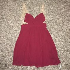 HOCO Dress (Looks Red in picture, really Maroon) Maroon, Good condition, Gorgeous Roberta  Dresses