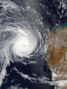 ✮ Cyclone