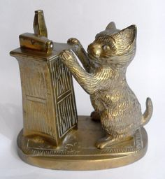 Vintage cast brass cat and pump desktop deskweight #10826