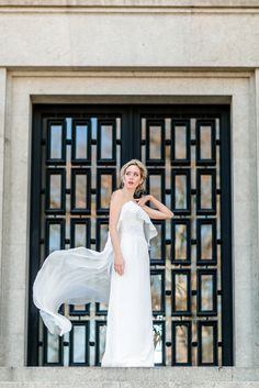 Wedding Dress by Gio Rodrigues; Photo: Edgar Dias; Hair: K-Urban; Make-up: Diana Pereira; Model: Ana Elisa, Central Models.