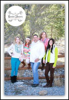 #familyphotoshoot #familypose #mountainfamilyshoot #familylove #reneewatersphotography