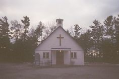 The church of happiness Jess Woods, Haikyuu, Nicole Dollanganger, Estilo Grunge, Gothic Aesthetic, Southern Gothic, Creepy Cute, Small Towns, Religion
