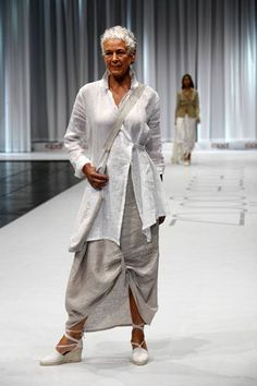 Linen layers. Architectural, asymmetric layers!