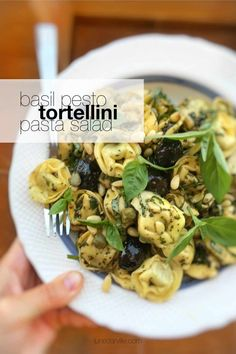 You can serve this fresh basil pesto tortellini pasta salad warm or cold: as a hot pasta dinner… and also as a tasty cold lunchbox salad to take with you! Easy Pasta Salad Recipe, Best Pasta Salad, Easy Pasta Recipes, Lettuce Recipes, Spinach Recipes, Veggie Recipes, Healthy Recipes, Pasta Salad With Tortellini, Easter Dinner Recipes