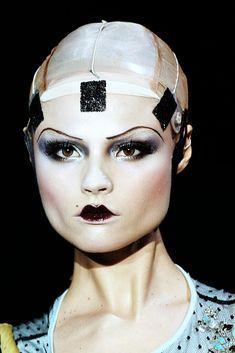 fashion makeup john galliano natasha poly shalom harlow magdalena frackowiak sasha pivovarova - picslist.com
