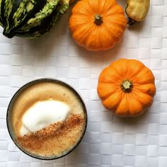 How To: Combine all of the spices Whisk all ingredients in a small saucepan over low heat. Pumpkin Spice Syrup, Pumpkin Puree, Clean Eating Diet, Healthy Eating, Healthy Food, Hemsley And Hemsley, Healthy Drinks, Healthy Recipes, Healthy Women