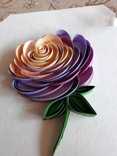Arte Quilling, Origami And Quilling, Paper Quilling Patterns, Quilled Paper Art, Quilling Paper Craft, Paper Crafts, Diy Quilling Cards, Paper Quilling Flowers, Paper Quilling For Beginners