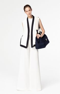 Discover the Collection White Fashion, Work Fashion, Fashion Details, Hijab Fashion, Fashion Looks, Fashion Outfits, Womens Fashion, Fashion Design, Carolina Herrera