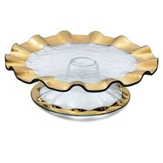Metallic ruffled cake stand