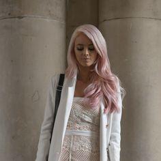 Schöne Kurze Rosa Haare Ideen für Junge Frauen