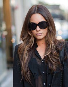 hair/outfit. allll black