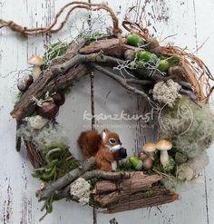 Wreaths - NATURAL Wreath ♥ Squirrel ♥ Forest Autumn Wreath - a unique product . - A ~ Kränze / Wreaths Diy Wreath, Door Wreaths, Grapevine Wreath, Autumn Crafts, Nature Crafts, Christmas Wreaths, Christmas Crafts, Christmas Ornaments, Deco Nature