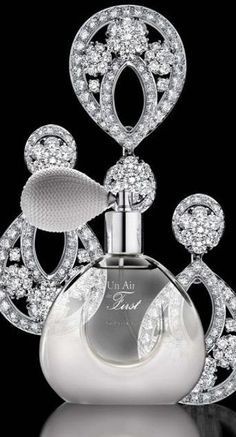 Van Cleef & Arpels, My late mother loved this as does my dearest friend Melodie