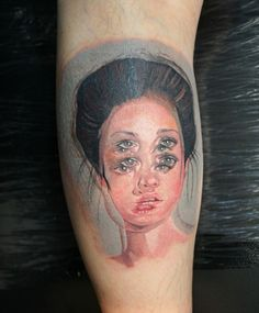 Look at this piece more than 5 seconds if you dare! By Viktoria Kirnoz, inspired by the art of Alex Garant.
