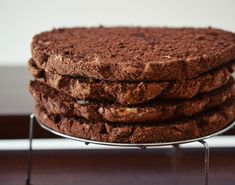 Tort cu ciocolata Nestle Dessert - Rețete Papa Bun Pasta, Desserts, Tailgate Desserts, Deserts, Postres, Dessert, Plated Desserts, Pasta Recipes, Pasta Dishes