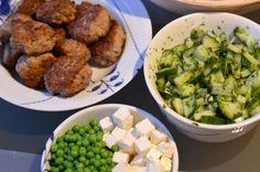 LeizyB: Hverdagsfavorit: Frikadeller i pita & agurkesalat