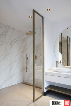 Excellent in verbouwen, renovaties en kluswerk Bathroom Toilets, Bathroom Renos, Budget Bathroom, Tuscan Bathroom, Modern Bathroom, Master Bathroom, Bad Inspiration, Bathroom Inspiration, Minimalist Showers