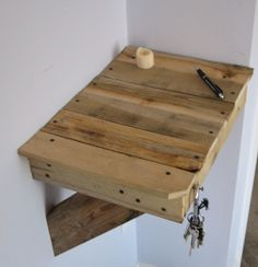 Little pallet shelf