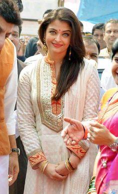 White salwar suit with gotapatti work Bollywood Celebrities, Bollywood Fashion, Bollywood Actress, Aishwarya Rai Bachchan, Deepika Padukone, Indian Dresses, Indian Outfits, Neck Designs For Suits, Kurta Neck Design