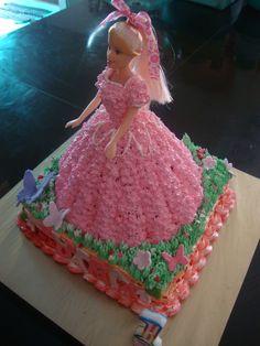 Ninie Cakes House Barbie Doll Cake
