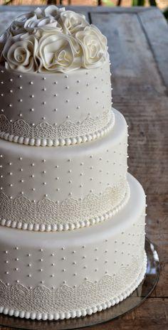 Pretty Wedding Cakes, Beautiful Birthday Cakes, Wedding Sweets, Amazing Wedding Cakes, Wedding Cakes With Cupcakes, White Wedding Cakes, Elegant Wedding Cakes, Wedding Cake Designs, Pretty Cakes