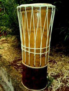Tambor De Bambu Gigante Instrumento Artesanal Percussao - R$ 300,00