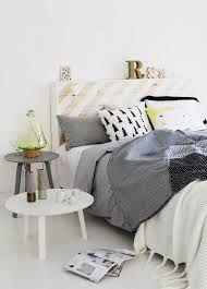 bijzettafeltje als nachtkastje