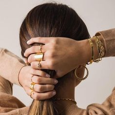 Jewelry Model, Cute Jewelry, Photo Jewelry, Gold Jewelry, Jewelry Accessories, Fashion Accessories, Fashion Jewelry, Jewelry Design, Jewelry Trends