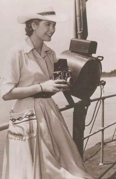 vintage everyday: Photos of Actresses Behind The Camera