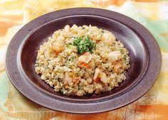 レシピ:簡単ナシゴレン(インドネシア風焼き飯) ナシゴレンって、まさに炒飯という意味、ご飯を炒めたらら何でもナシゴレンになる。田舎の家で朝ご飯によく食べるし、ただ、ご飯を暖めるためにいためただけみたいなものもある。バリエーションが豊か…