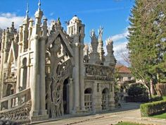 *Postman's Incredible DIY Castle Draws Huge Crowds in France. READ THIS FASCINATING STORY.