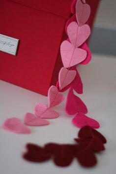 I used this for inspiration for my own felt heart garland