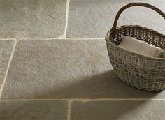 Umbrian limestone, floors of Stone Kitchen extension - this would be super practical floor Limestone Flooring, Slate Flooring, Flooring Ideas, Limestone Patio, Vestibule, Kitchen Tiles, Kitchen Flooring, Stone Kitchen Floor, Kitchen Reno