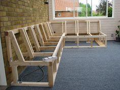 Agnesfrid - renoveringsblogg: Platsbyggd soffa i uterummet