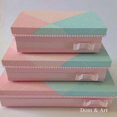 Diy Storage Boxes, Bracelet Display, Decoupage Vintage, Altered Boxes, Bedroom Accessories, Vintage Box, Sewing Box, Diy Box, Baby Decor