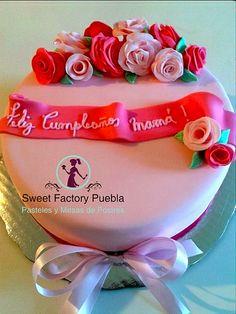 Pastel rosas Sweet Factory Puebla Chef Luciana Proietti Cake´s Designer