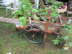 I bought this old cart at the Brimfield flea :D, so happy