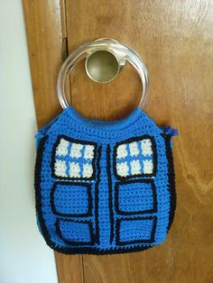 Ravelry: Tardis Bag pattern by Jessica Evans...... I may have to lear to crochet one of these days cuz dr who is fucking awesome
