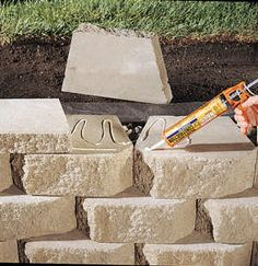 How to Build a Retaining Wall - Cabin Life Magazine.or use idea for firepit Backyard Retaining Walls, Building A Retaining Wall, Garden Retaining Wall, Retaining Wall Drainage, Retaining Wall Steps, Backyard Privacy, Concrete Patio, Home Landscaping, Front Yard Landscaping