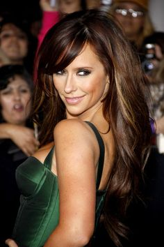 Jennifer Love Hewitt's hair and makeup