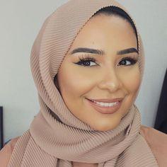 My Q&A is now on my channel! Link in my bio P.S. These lashes are Chloe by @demurelashes use the code HABIBADASILVA for a discount Habiba Da Silva, Hijab Fashion, Lashes, Hijab Styles, Photo And Video, Celebrities, Makeup, Instagram Posts, Chloe