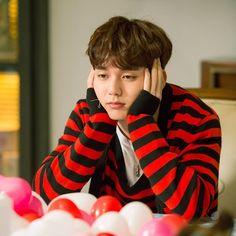 Robot Icon, Yo Seung Ho, Robot Wallpaper, Korean Tv Series, Handsome Korean Actors, Korean Babies, Dark Photography, Kdrama Actors, Asian Actors