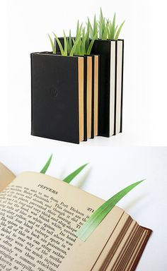 Grass-shaped post-its that serve as page markers. Designed by Yuruliku / http://yuruliku.shop-pro.jp/?pid=18601113