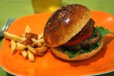 Posiblemente, la mejor receta de panecillos de hamburguesa, o si una francesa te dice que una receta de pan es perfecta, créetelo   Madrid Tiene Miga