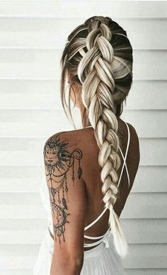 Cutest and Most Beautiful Homecoming Hairstyles Hair & Beauty Fishtail Hairstyles, Pretty Hairstyles, Hairstyle Ideas, Hair Ideas, Perfect Hairstyle, Amazing Hairstyles, Style Hairstyle, Unique Hairstyles, Ash Blonde Hair
