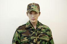 JJ with 4 Stripes on Army Uniform is Highest Ranking Officer ❤️ JYJ Hearts Choi Jin Hyuk, Korean Pop Group, Army Uniform, Military Uniforms, Kim Jae Joong, Charming Man, Military Photos, Fans Cafe, Military Service